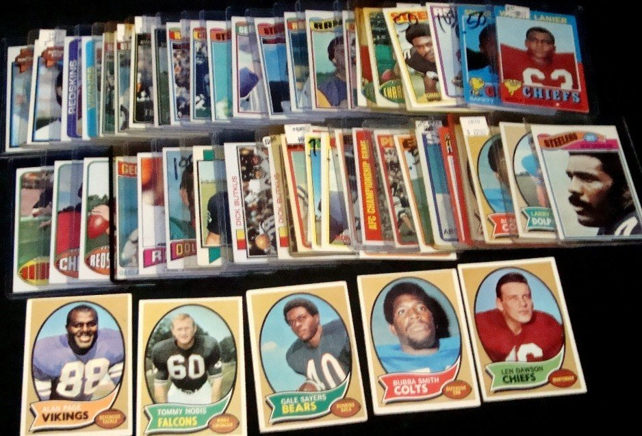 469: 1970's Topps Football Card Lot, Rookies, Sayers