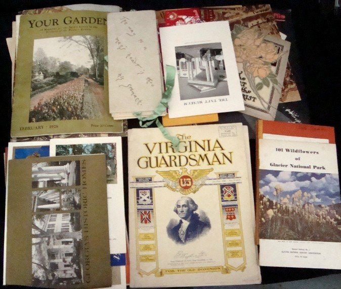 333: Mixed Paper Lot, Booklets, Catalogs