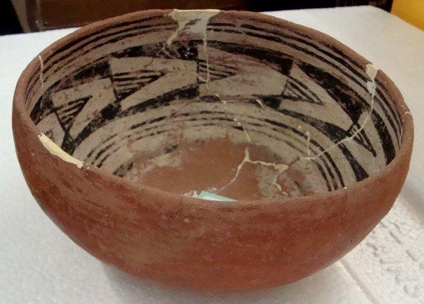 24: Prehistoric Hohokam Pottery Bowl with inner design