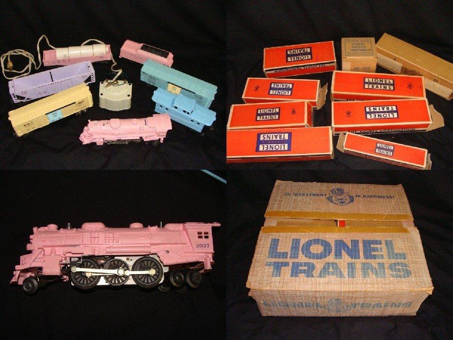 256: 1957 LIONEL SET #1587S PINK GIRLS TRAIN SET w ORIG