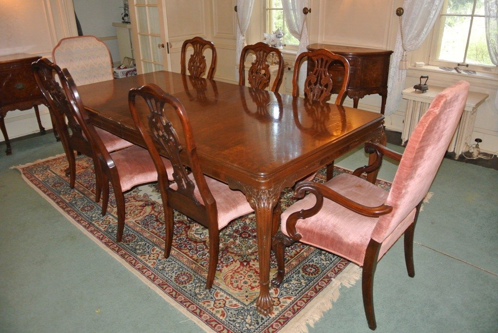 113: Orinoco Chippendale Dining Room Suite