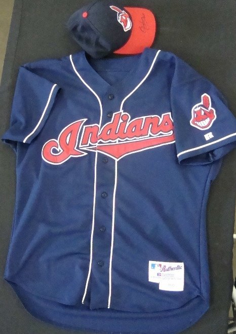 51: Enrique Wilson Indians Jersey & Signed Cap