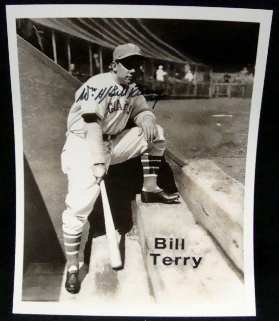 82: Bill Terry Autographed 8x10 Photo, JSA
