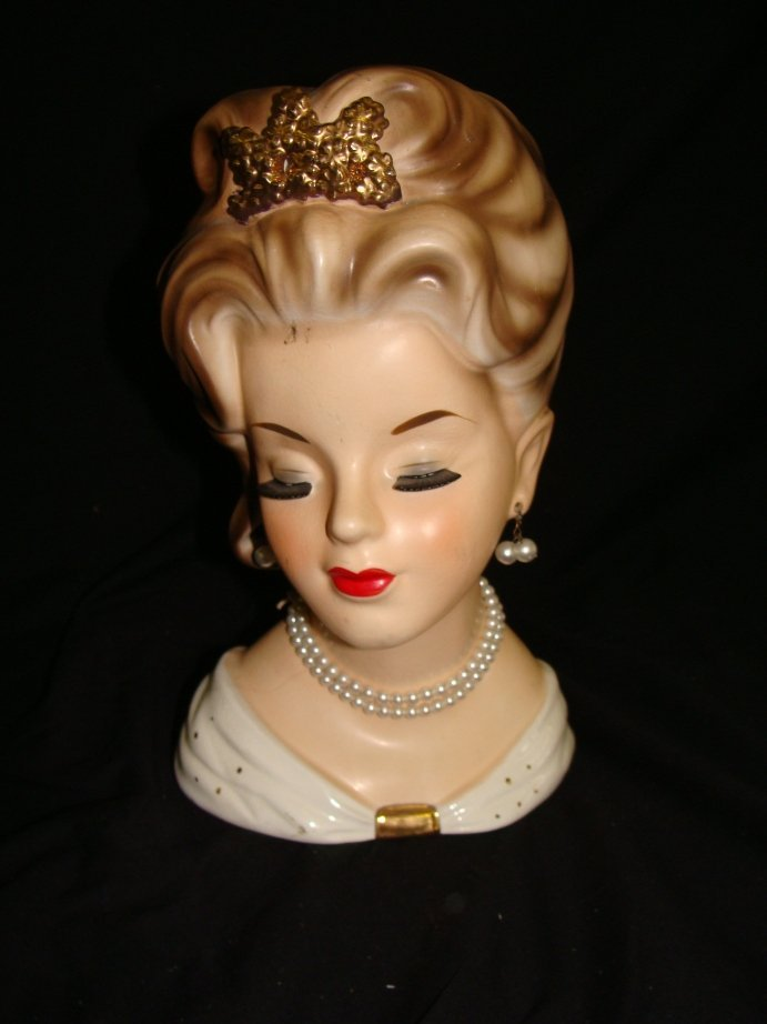 20: Inarco 3-1060 Head Vase White Pearls Crown Clevelan