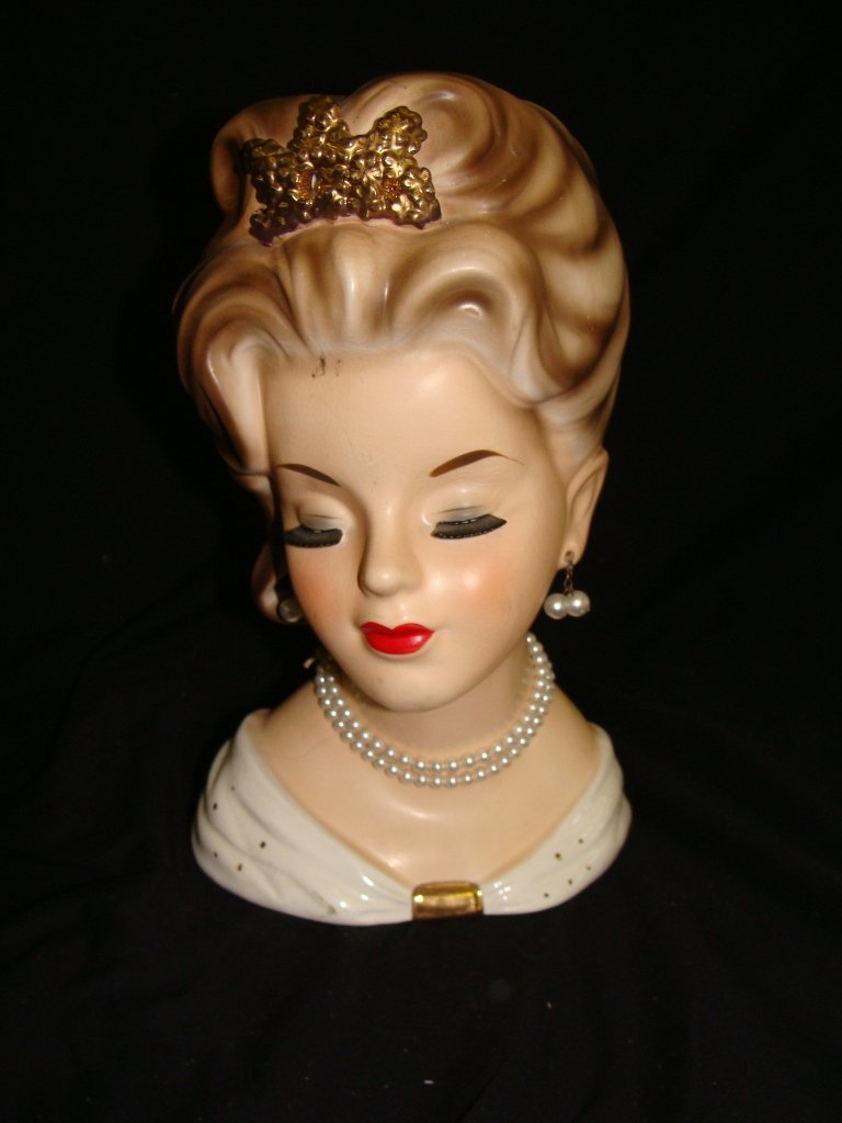 Inarco 3-1060 Head Vase White Pearls Crown Cleveland 19