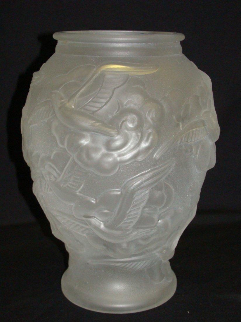 Art Deco Tchecoslovaquie Frosted Glass Bird Vase - 2