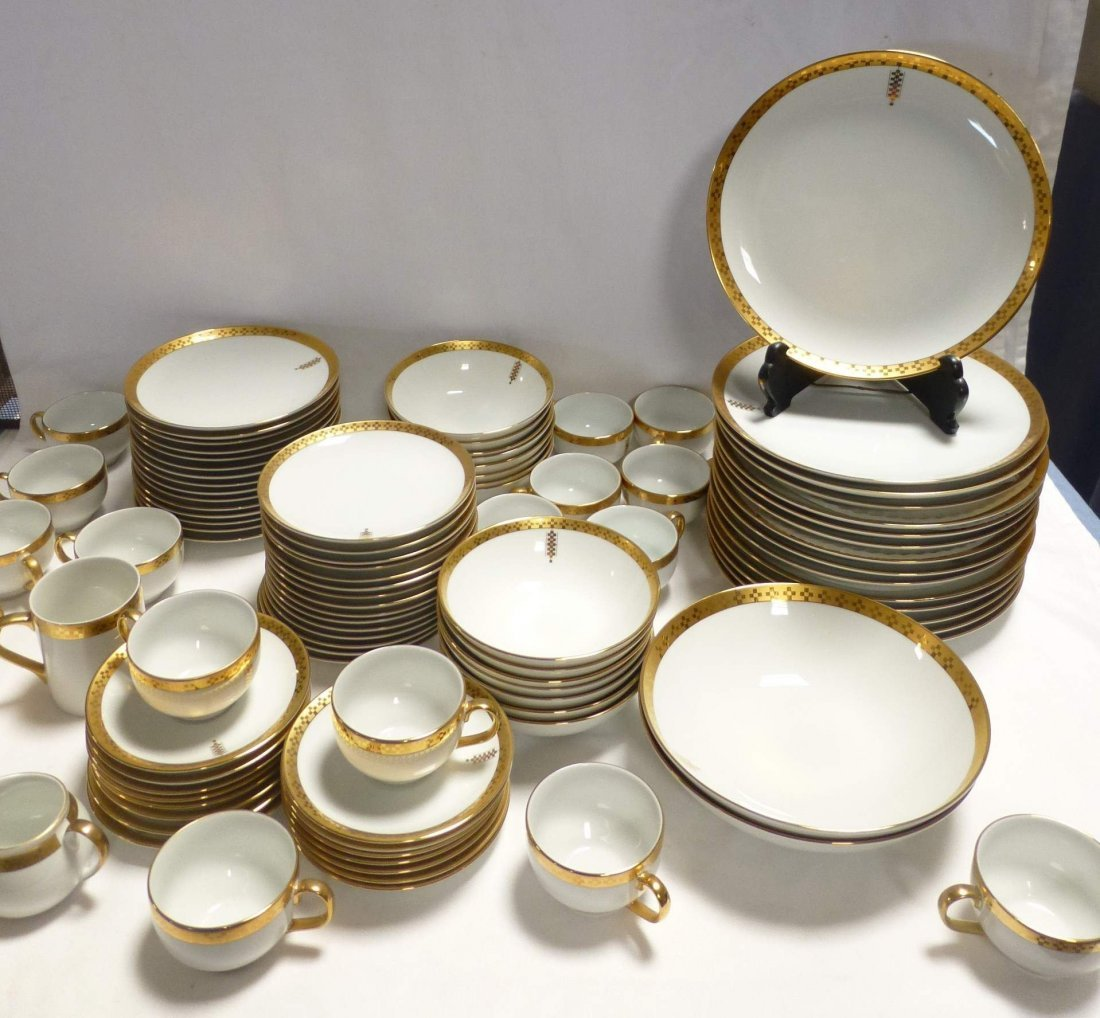 Tiffany Imperial China Frank Lloyd Wright Set & 96 pc. Tiffany Imperial China Frank Lloyd Wright Set