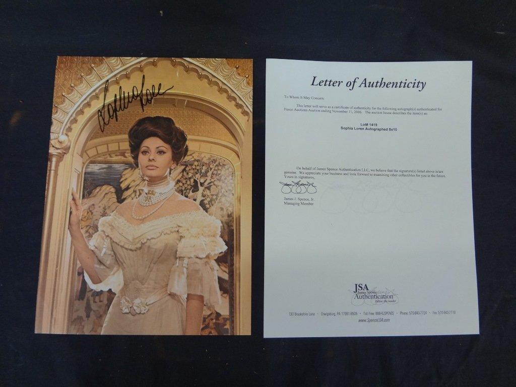 Sophia Loren Autographed 8 x 10 JSA Certificate of