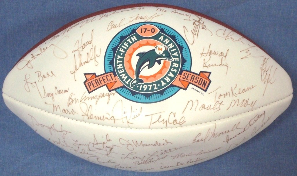 1972 Miami Dolphins Team Signed Undefeated Season - 3