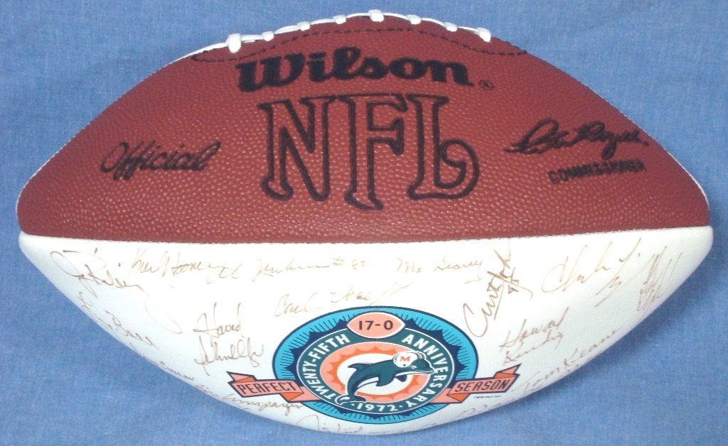 1972 Miami Dolphins Team Signed Undefeated Season - 4