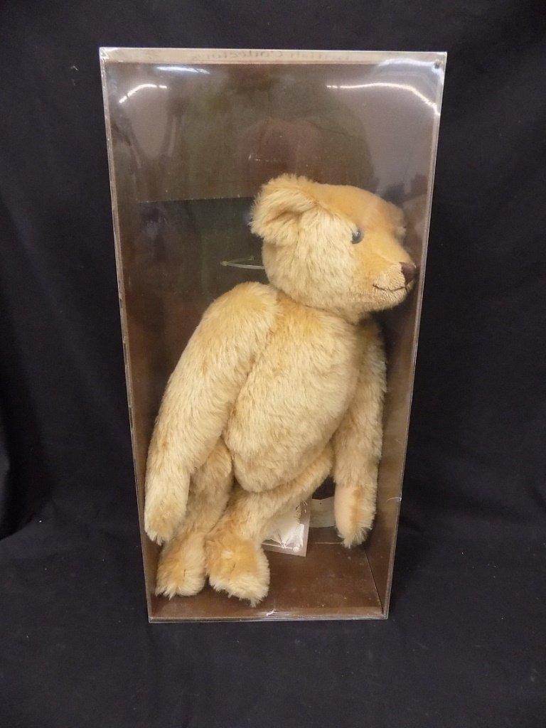 STEIFF BRITISH COLLECTOR'S 1907 REPLICA TEDDY BEAR LE