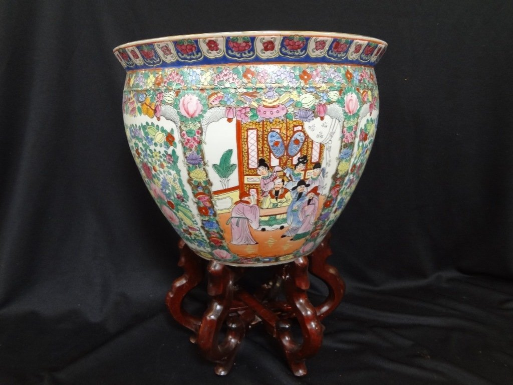 Large Chinese Porcelain Jardiniere