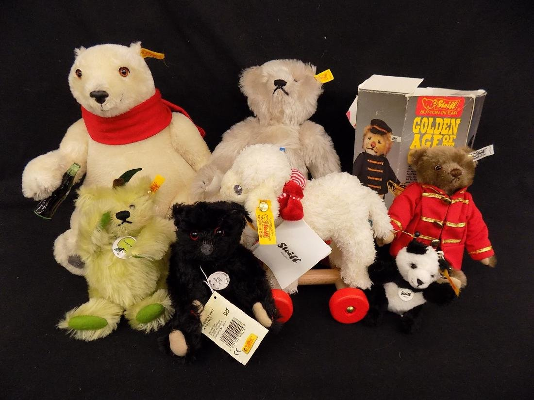 Lot of 7 Steiff Collectibles Pull toy, Keychain, Teddy