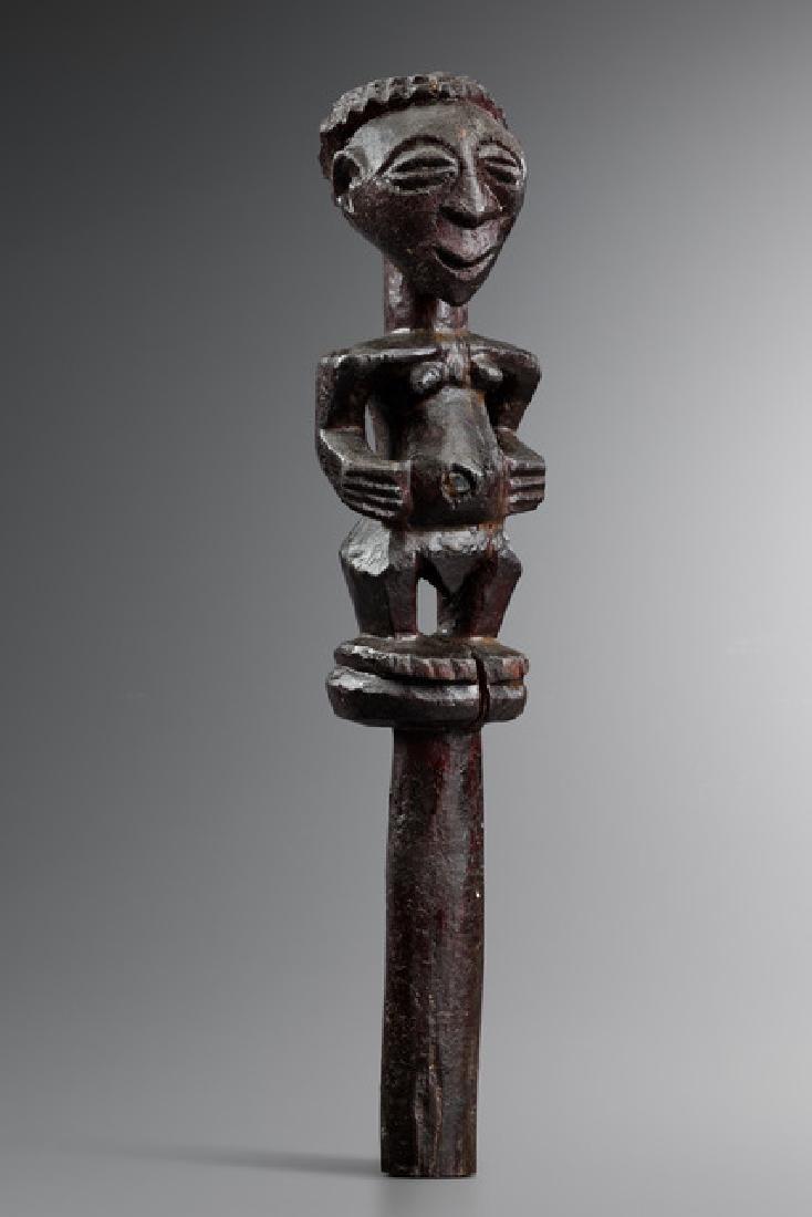 Rare figural carved staff - D. R. Congo, Songe-Beneki