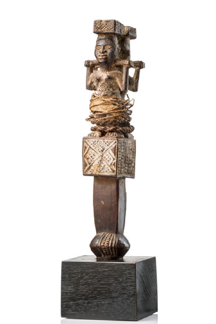 "Initiation rattle ""ntafu mahangu"" - D. R. Congo, Sundi"