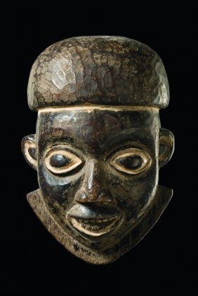 Mask Of A Notable - Cameroon Grassfields, Babanki