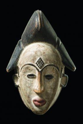 """Mask """"okuyi"""" - Gabon, Tsogho"""