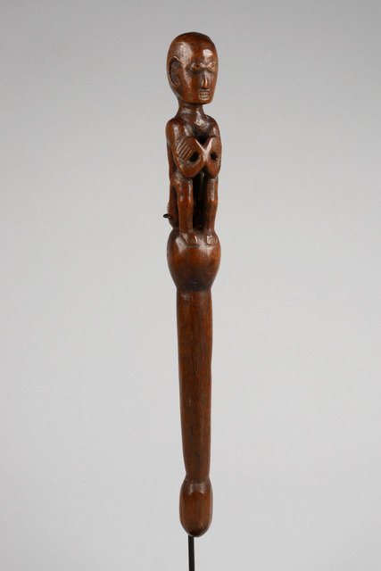 Figurally carved peg, around 1900 - Philippines -
