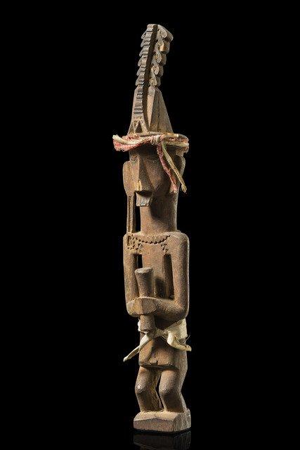"""Male ancestor figure """"adu zatua"""" - Indonesia - North"""