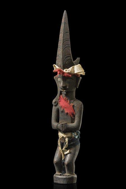 "Male ancestor figure ""adu zatua"" - Indonesia - Central"