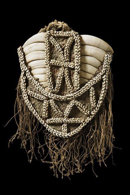 "Chest ornament ""wawapu"" - Papua New Guinea, Sandaun"
