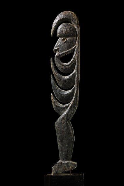 """Small sculpture """"yipwon"""" - Papua New Guinea - Korewori"""