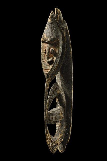 Hook figure - Papua New Guinea - Korewori