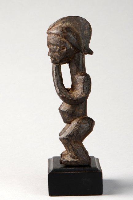 "Small standing female figure ""pindi"" - D. R. Congo, - 2"