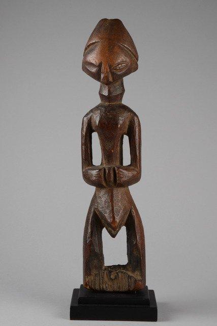 Standing male figure - D. R. Congo, Tetela