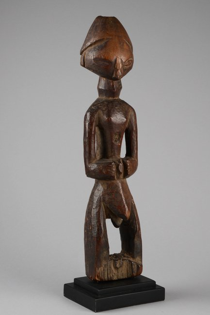 Standing male figure - D. R. Congo, Tetela - 2