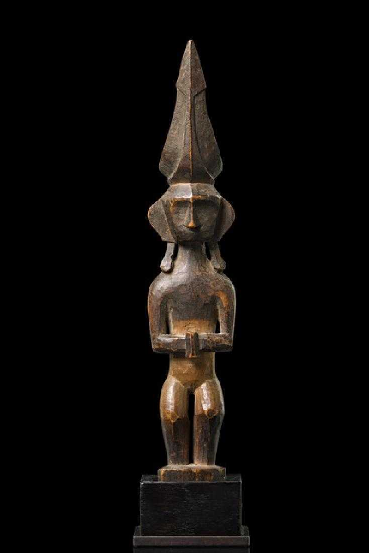 Female ancestor figure adu zatua - Indonesia - Nias