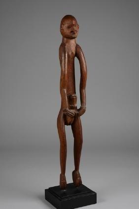 "Standing female ancestor figure ""kawe"" - Papua New"