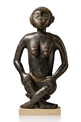 Seated female figure - D. R. Kongo, Luba