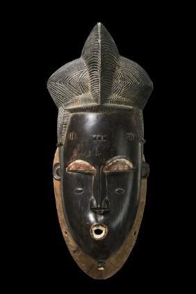"Portrait mask ""ndoma"" of the ""mblo"" group - Côte"