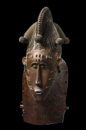 """Female mask """"kpan"""", before 1920 - Côte d'Ivoire, Baule"""