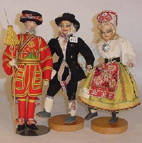 12: Three Cloth Dolls, Liberty Beefeater, Pr Dolls Esto
