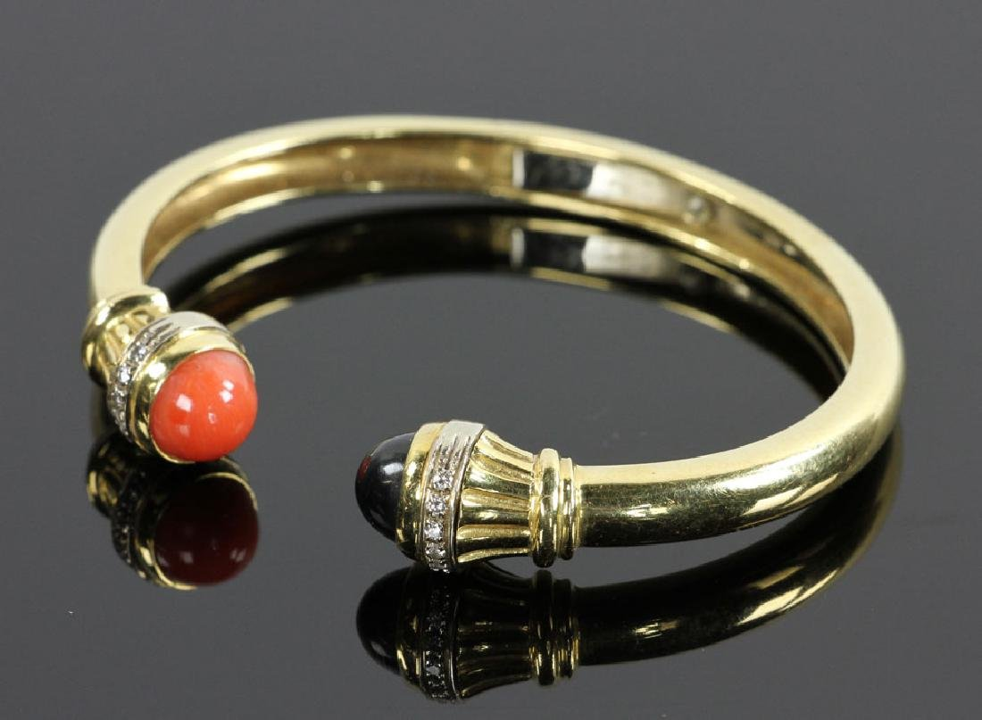 18K Gold, Diamond, Coral and Onyx Bracelet - 2