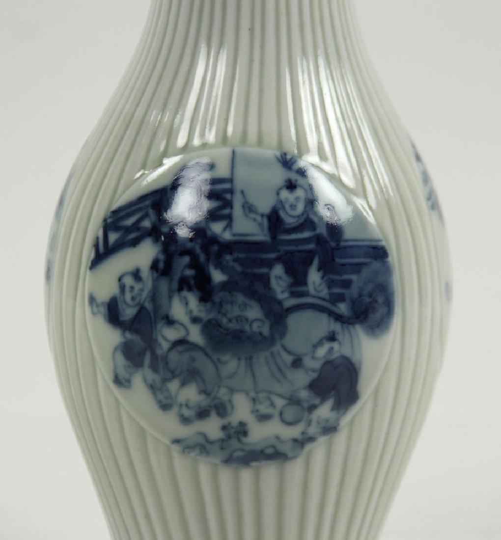 Chinese Olive Shape Blue and White Vase - 4