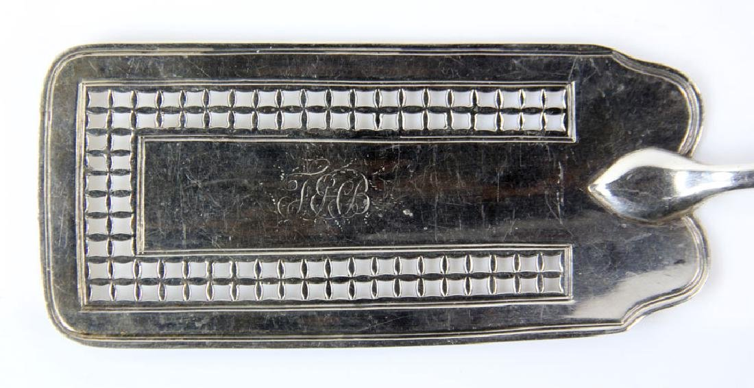 English Georgian Sterling Silver Pastry Server - 2