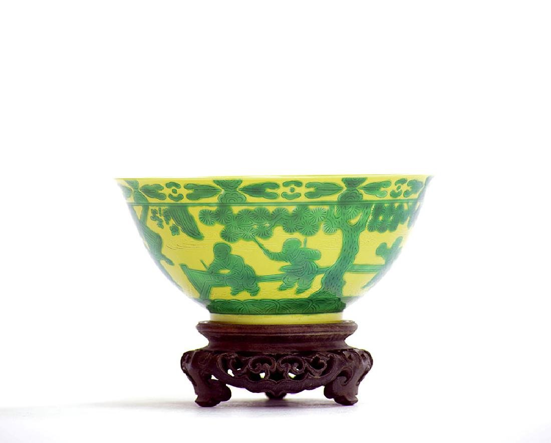 Fine Chinese Yellow and Green Eight Princes Bowl - 4