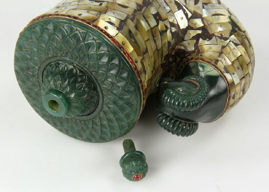Mughal Carved Jade and Mother of Pearl Container - 5