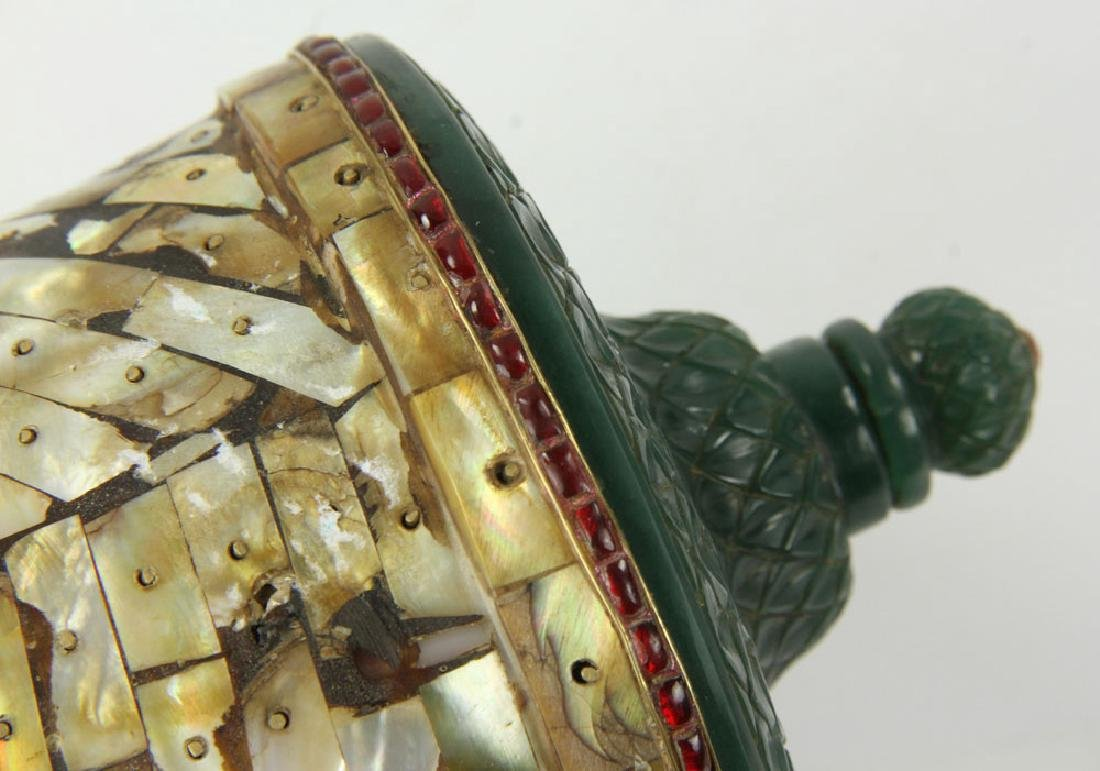 Mughal Carved Jade and Mother of Pearl Container - 6