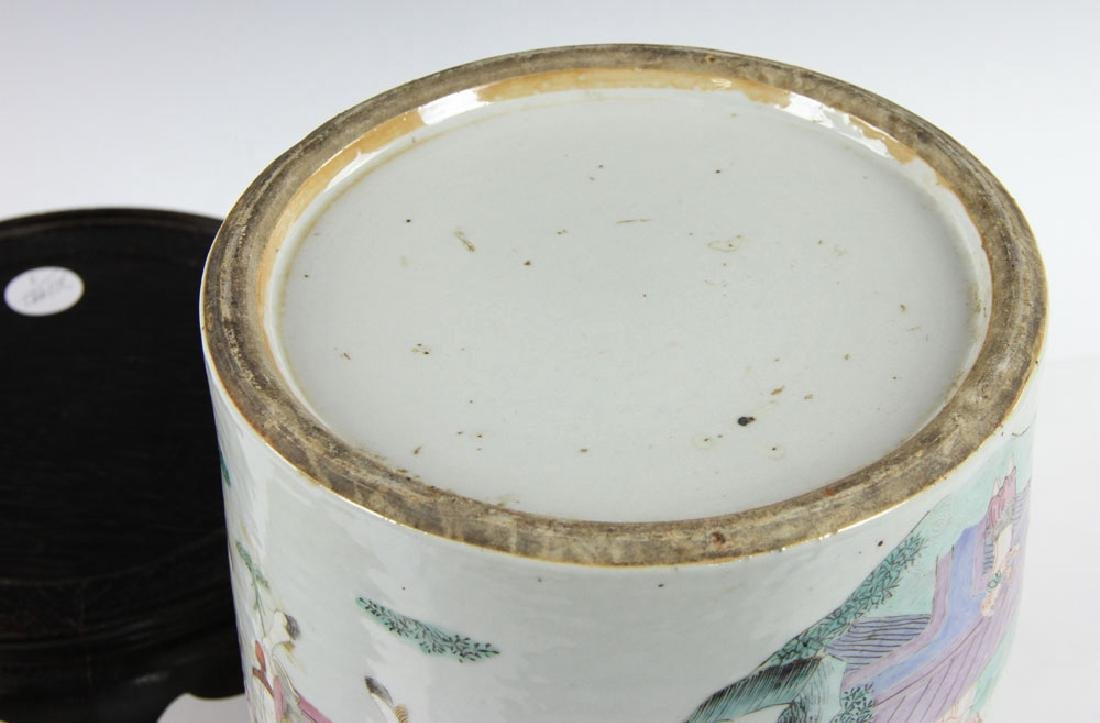 19th C. Chinese Porcelain Covered Jar - 6