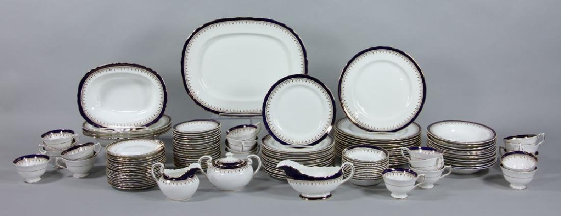 Set of Aynsley China Serving Set, 118 Pieces