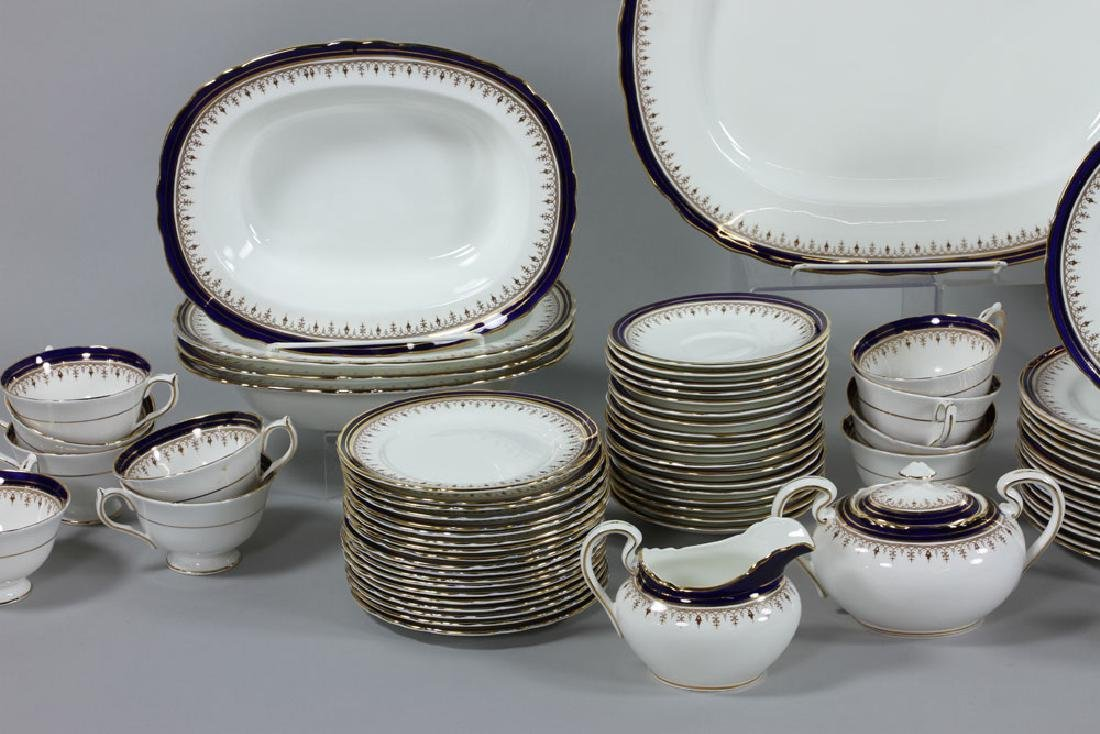 Set of Aynsley China Serving Set, 118 Pieces - 3