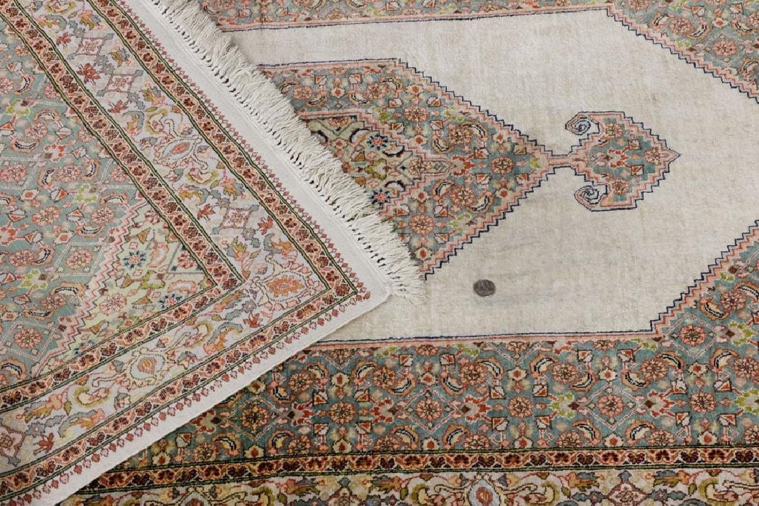 Semi Antique Silk Carpet - 4