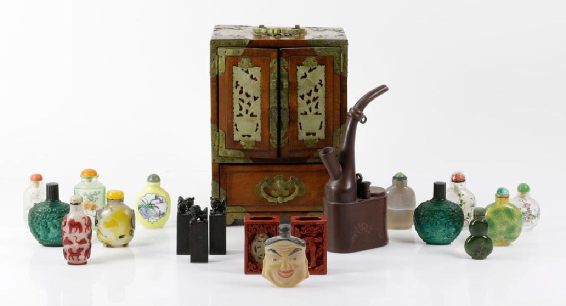 Assorted Chinese Decorative Items