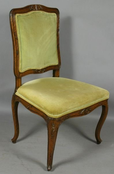 2018: 19TH CENTURY FRENCH UPHOLSTERED CHAIR