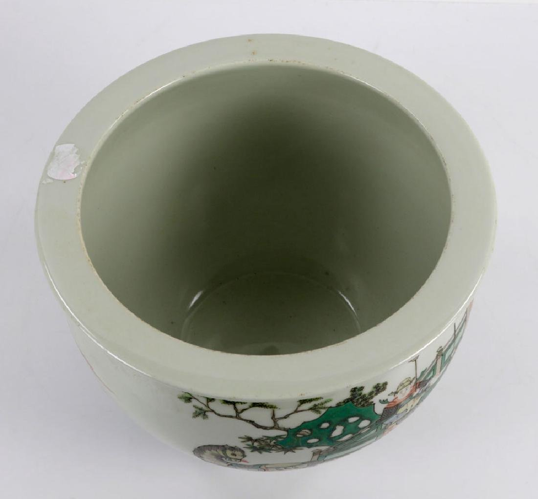 Chinese Famille Verte Porcelain Fish Pot - 5