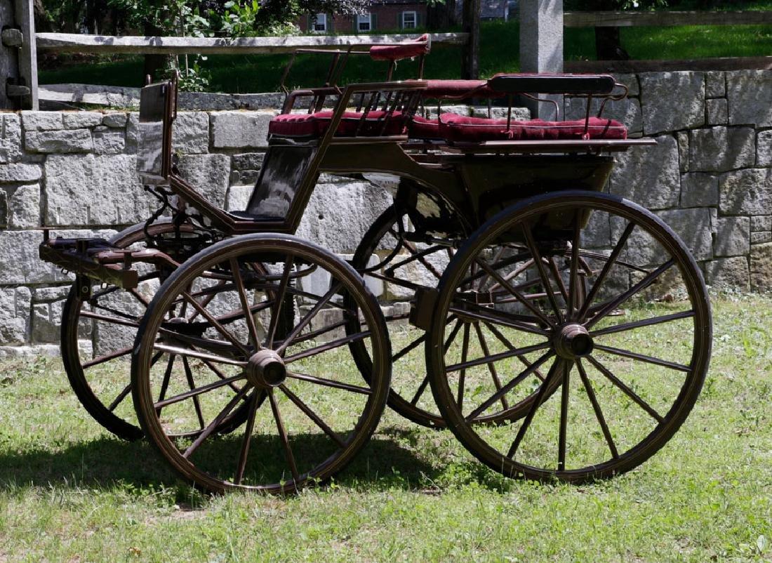 """Horse Drawn """"5th Wheel"""" Carriage"""